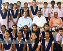 Udupi: Jnanaganga PU College, Moodubelle distributes scholarship on I-Day