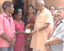 M�luru: Youth Congress donates for medical treatment of ailing son