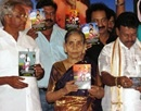 M'lore: Newly-Elected MLA J R Lobo releases CD of Tulu Movie �Rickshaw Driver� in City