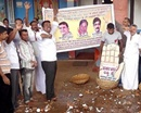 Udupi: Cong Activists Burst 108 Coconuts  to Celebrate Siddaramaiah�s Swearing-in