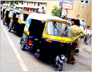 Auto rickshaw permits issued at Rs 500 being sold at Rs 1.75 lakh in Mangaluru