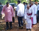 Udupi: Bishop Dr Gerald Lobo launches Swachh Bharat campaign on eve of Eucharistic Procession
