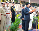 Mumbai: Maha Governor pays tribute to martyrs on Police Commemoration Day