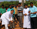 Mangaluru: MLC Ivan D'Souza lays foundation for road works at Adamkudru