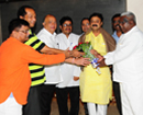 Mumbai: Karnataka MLA Narayan R Gowda gets honorary doctorate from South America University