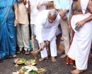 Mangaluru: MLA J R Lobo lays foundation for concreting road in Bolar @ Rs 38 lac