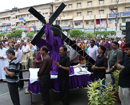 Mangaluru: Good Friday observed at Milagres with meditation on sufferings of Jesus