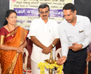Mumbai: Kannada litterateur Dr G D Joshi authored poetry book released