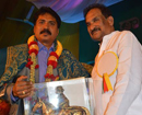 Bengaluru: Manjunath Sagar gets Kempe Gowda Award for promoting Kannada culture overseas