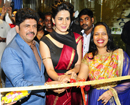 Mumbai: Bollywood actor Kirti Kulari launches 15th Shiva's Signature Saloon at Walkeshwar