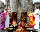 Beltangady: Heggade family offer Padapuja to Bhagawan Bahubali at Dharmasthala