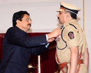Mumbai: Maha Guv presents President's Medals to 50 police officers & personnel