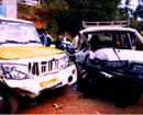 Puttur: 4 injured in head on collision of Omni & pickup truck
