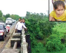 Maharashtra: Stepfather throws 6-year-old into river, locals rescue minor