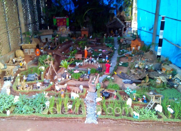 Naveen Quadros A Native Of Bantakal Near Shirva Has Been Displaying Christmas Crib At His Household Since The Past 28 Years He Incorporated New Ideas
